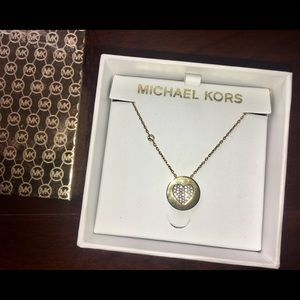 MICHAEL KORS Crystal Heart Gold Pendant Necklace